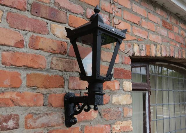 Small Cast Iron Wall Bracket
